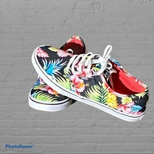 Women's Vans off the wall like new condition